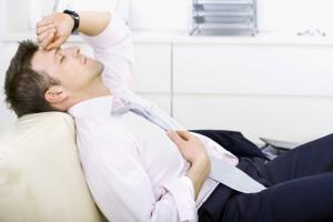 У мужчины начали появляться головные боли - это сипмтомы арахноидальной кисты